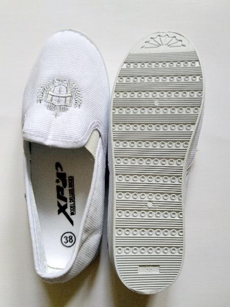 Giày vải XP xỏ nữ trắng