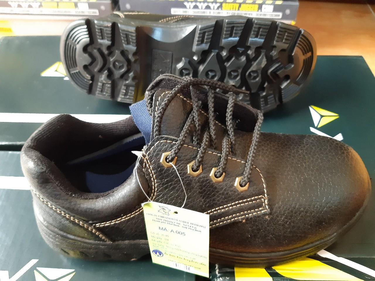Top #1 mẫu giày bảo hộ giá rẻ được sử dụng nhiều nhất hiện nay - Bảo hộ lao động giá sỉ